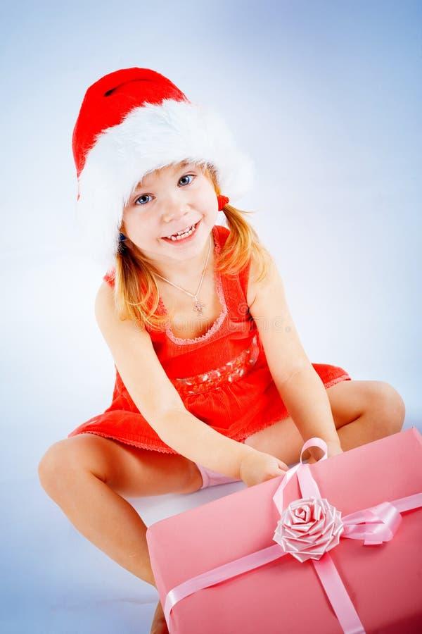 gullig flicka santa fotografering för bildbyråer