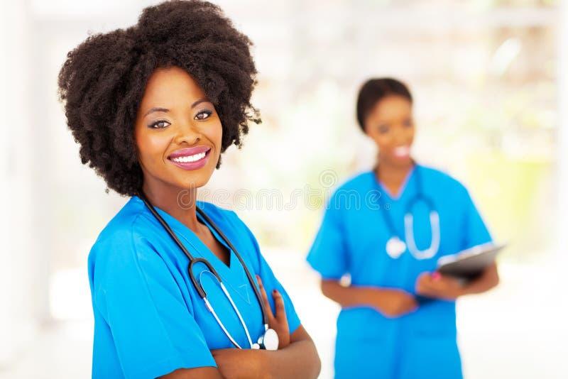 Afrikanska sjukhusarbetare royaltyfri fotografi