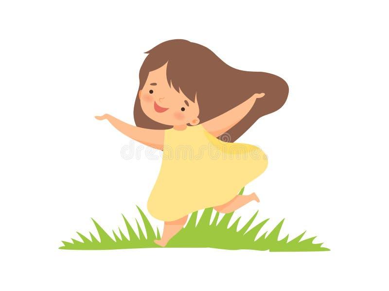 Gullig lycklig flicka i den gula klänningen som kör på den gröna ängen, förtjusande tecknad filmtecken för liten unge som spelar  vektor illustrationer