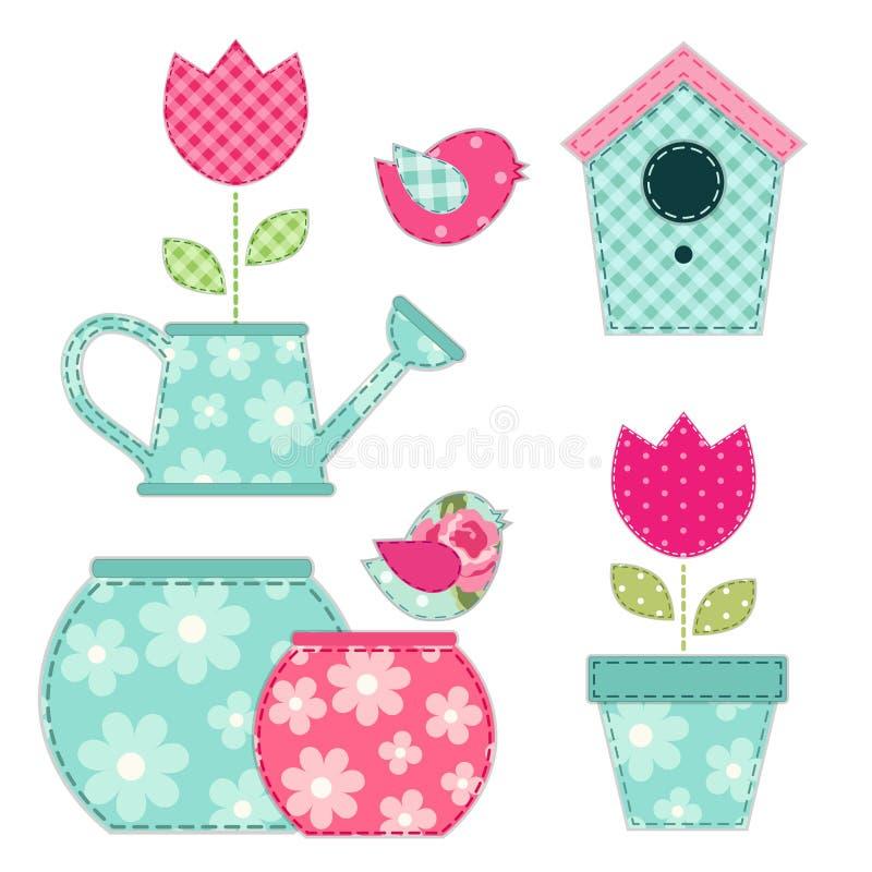 Gullig retro vår och trädgårds- beståndsdelar som tyglappapplique av fågelhuset, blommor i krukor och fåglar vektor illustrationer