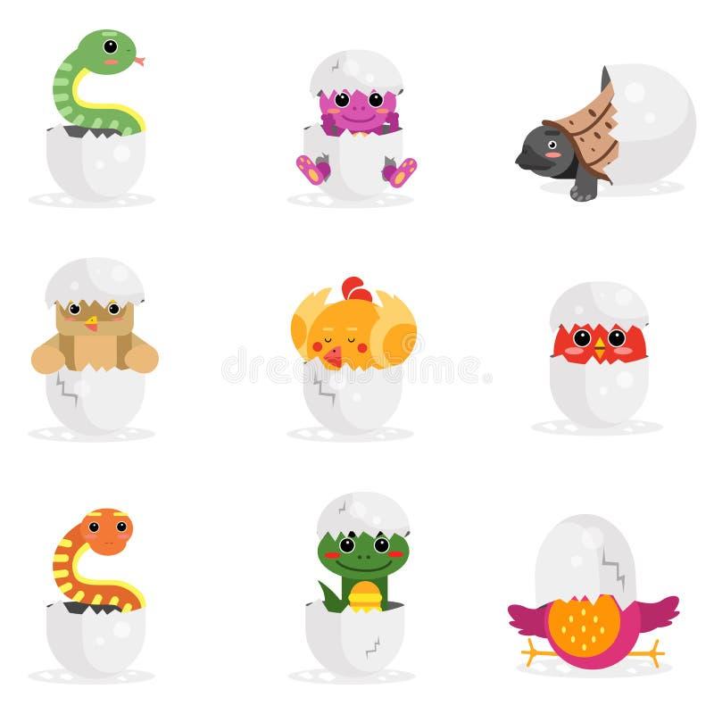 Gulliga nyfödda djura tecken ställde in, roliga reptilar och fåglar i illustration för tecknad film för äggskal vektor illustrationer