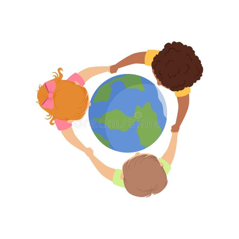 Gulliga små ungar som runtom i världen rymmer händer, vektorillustration för bästa sikt på en vit bakgrund stock illustrationer