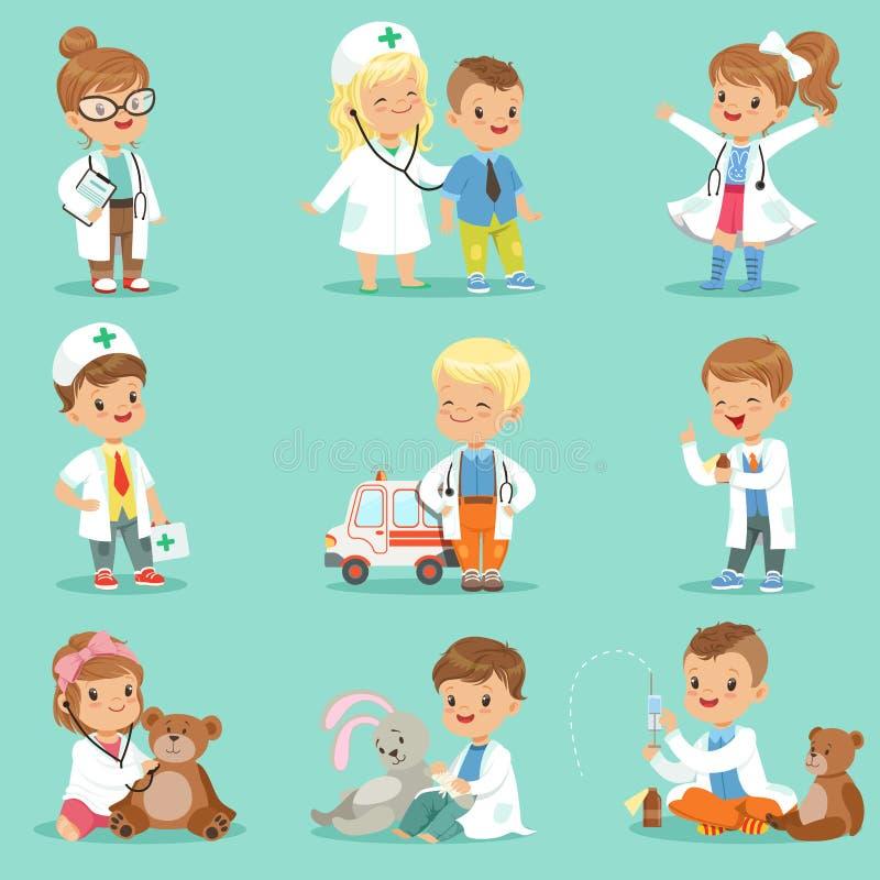 Gulliga ungar som spelar doktorsuppsättningen Le klädde pyser och flickor royaltyfri illustrationer