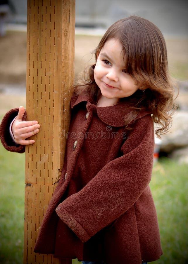 gulligt le för flicka royaltyfri fotografi