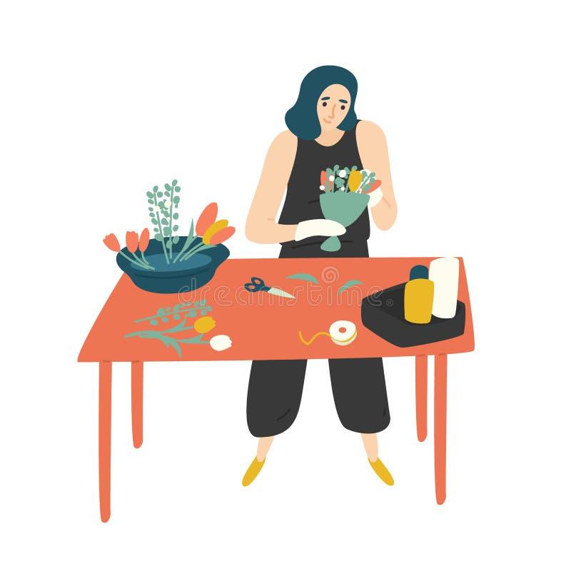 Gulligt lyckligt kvinnaanseende på tabellen och framställningsbuketten Le den kvinnliga blomsterhandlaren på floristry shoppa Rol royaltyfri illustrationer