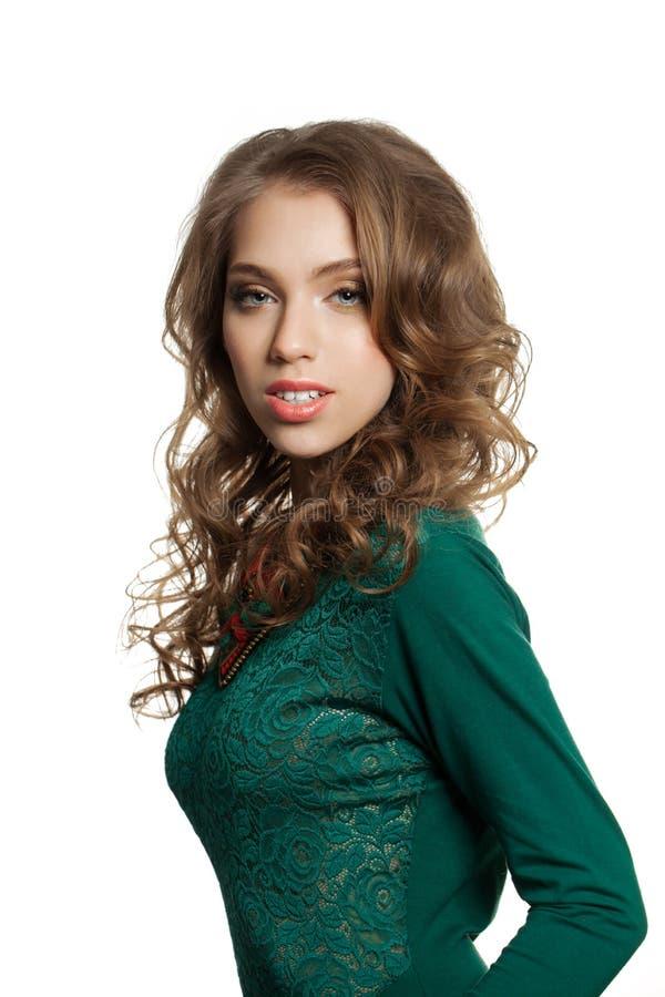 gulligt ståendekvinnabarn Isolerad kvinnlig modell royaltyfri bild