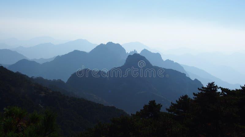 Gult berg (Huang Shan) fotografering för bildbyråer