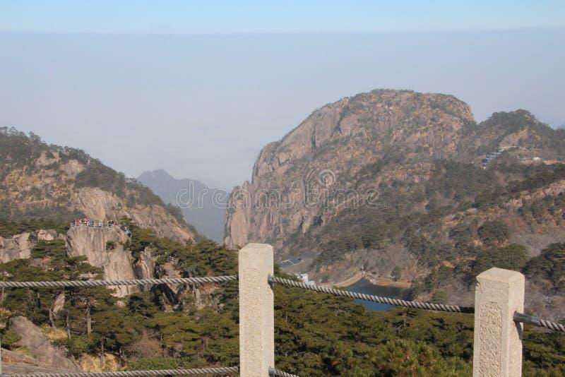 Gult berg - Huangshan, Kina arkivbild