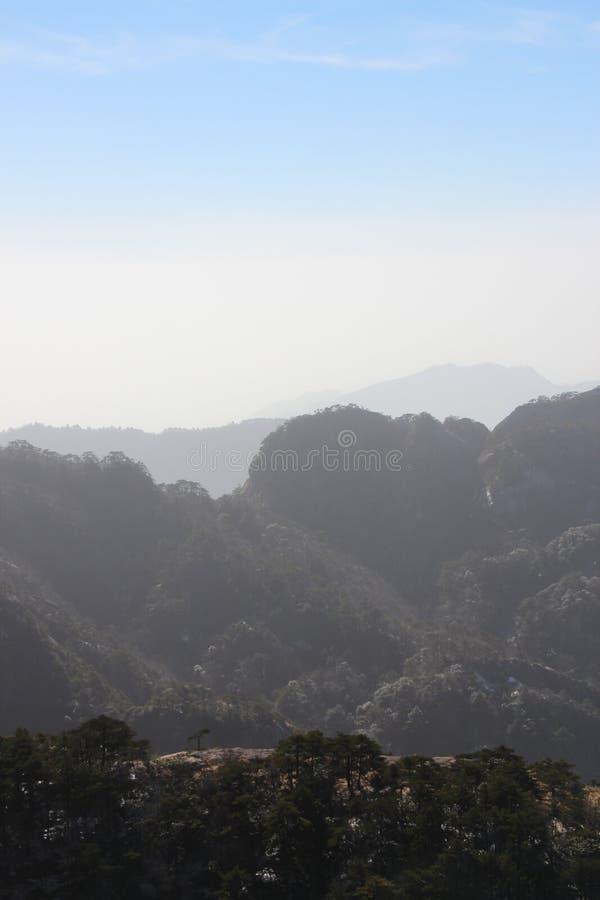 Gult berg - Huangshan, Kina arkivfoton