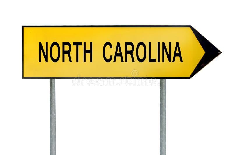 Gult gatabegreppstecken North Carolina som isoleras på vit royaltyfri bild