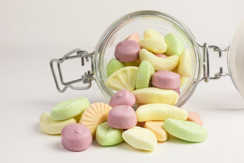 Gummiartige Süßigkeiten des Joghurts lizenzfreies stockfoto