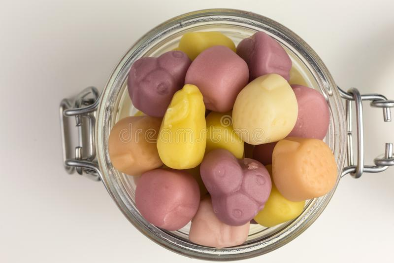Gummiartige Süßigkeiten des Joghurts stockfotografie