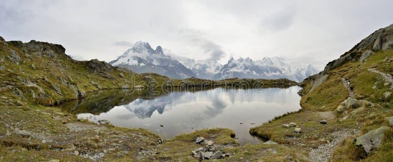 Gummilackades Cheserys, Mont Blanc massiv, Frankrike arkivfoto