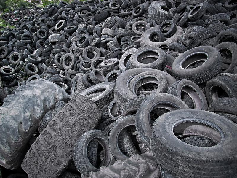 Gummireifen-Abfall lizenzfreie stockfotos