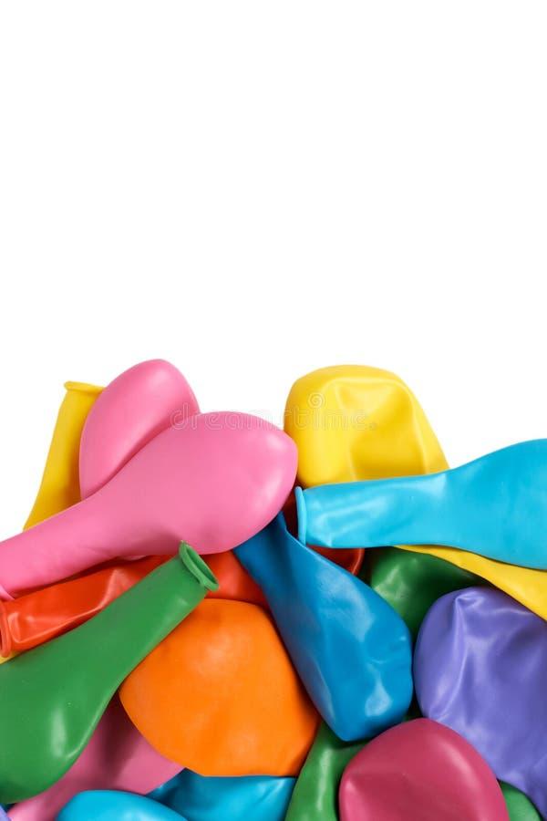 Gumowi lotniczy balony dla celebreting, colorfull partyjna dekoracja kosmos kopii pojedynczy białe tło fotografia royalty free
