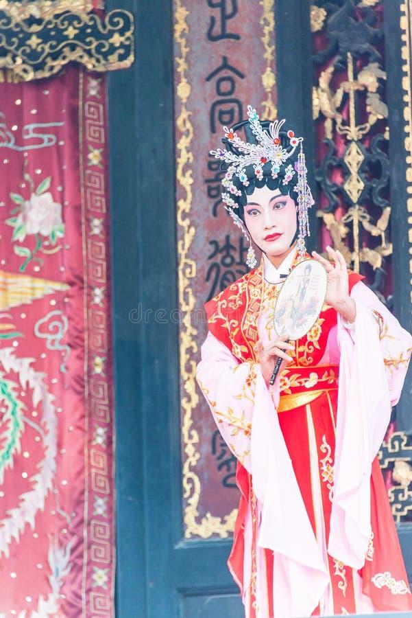 GUNAGDONG, CHINA - 28. November 2015: Chinesische Oper in Foshan Ancestra stockbild