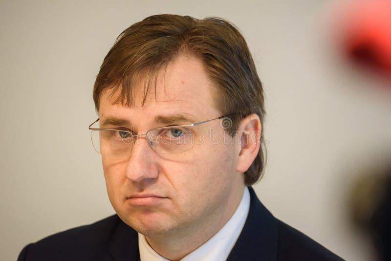 Gundars Berzins, economista, eleito presidente da placa de Olainfarm imagens de stock royalty free