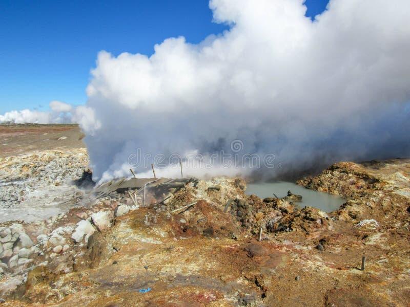 Gunnuhver geotermiczny teren - Krà ½ suvÃk, Seltun, Globalny Geopark, Geotermiczny aktywny teren w Iceland zdjęcia royalty free