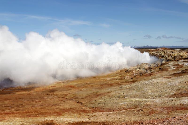 Gunnuhver geotermiczny teren w Iceland Gejzer kontrpara obraz royalty free