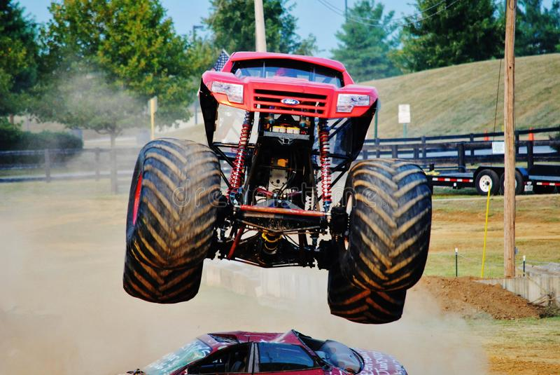 Gunslinger do monster truck imagem de stock royalty free