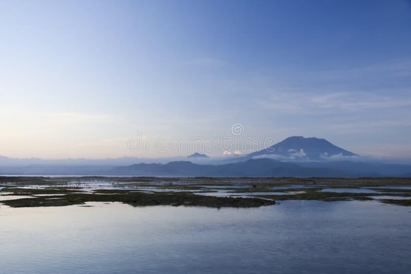 Gunung agungvulkan bali indonesia fotografering för bildbyråer