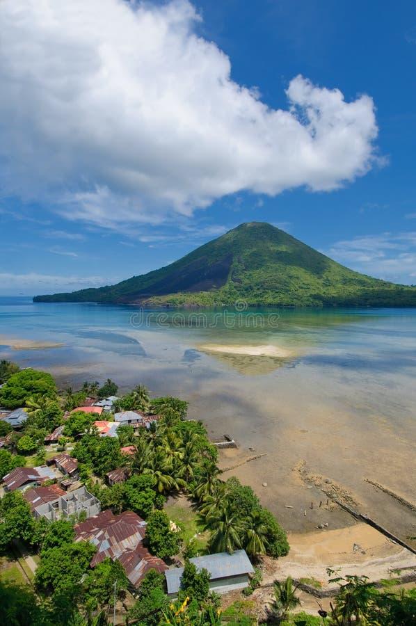 Gunung Api vulkan, Banda öar, Indonesien arkivbilder