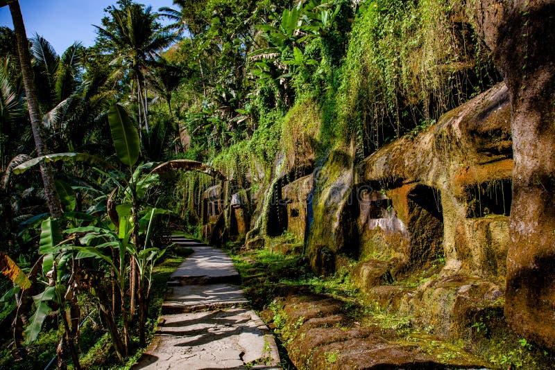 Gunung Kawi - vivienda de la roca foto de archivo libre de regalías