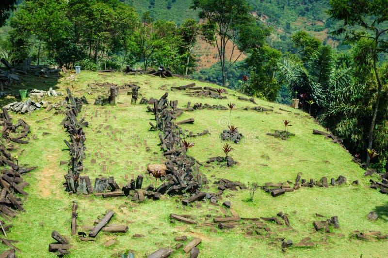 Gunung Padang Megalityczny miejsce w Cianjur, Zachodni Jawa, Indonezja zdjęcie royalty free