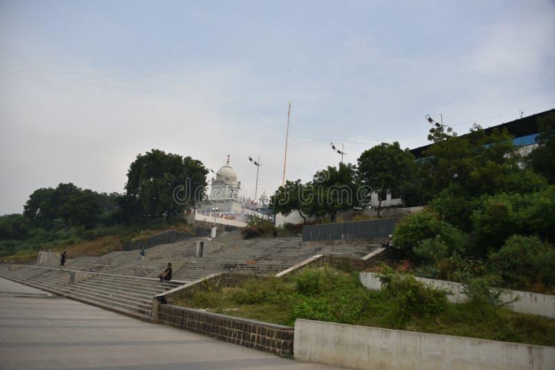 Gurudwara Banda Ghat Sahib, Nanded, Maharashtra, Índia imagem de stock royalty free