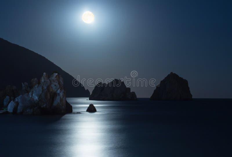 Gurzuf en de berg van Ayu Dag. royalty-vrije stock foto