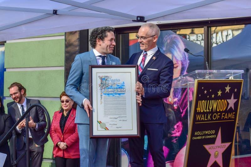 Gustavo Dudamel en Mitch O'Farrell in Gustavo Dudamel Hollywood Walk van Bekendheidsster het Onthullen Ceremonie royalty-vrije stock afbeelding