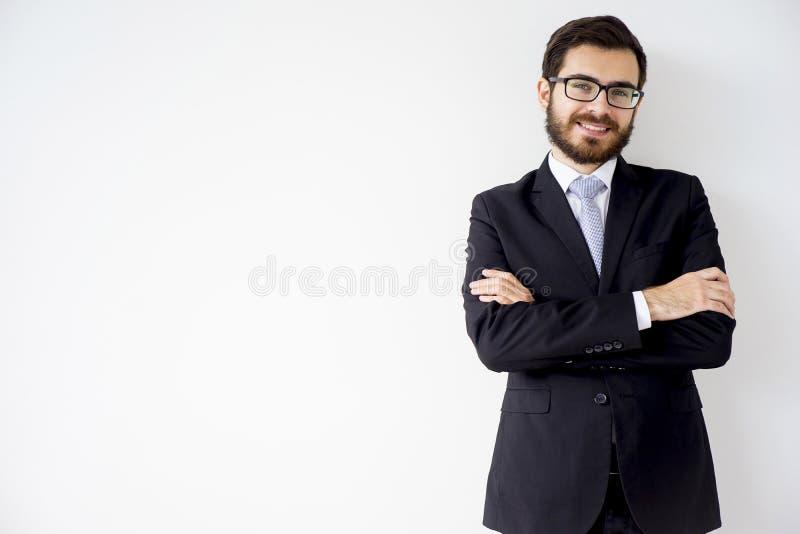 Gut aussehender Mann in einer Klage stockfotografie