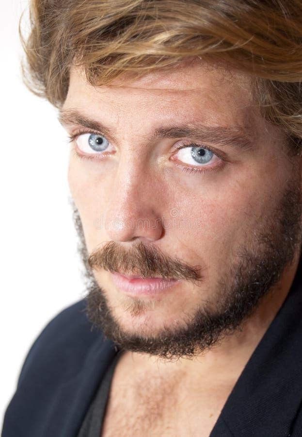 Gut Aussehender Mann Mit Bart Und Blauen Augen Stockbild