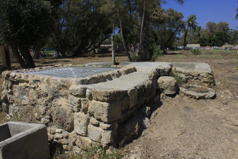 Gut an der alten Stadt von biblischem Ashkelon in Israel lizenzfreie stockbilder