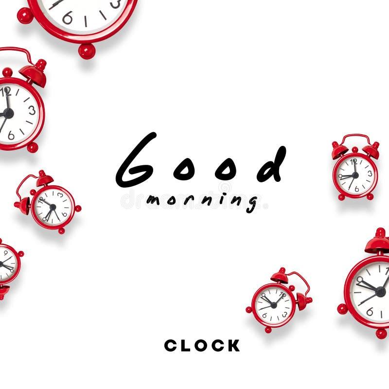 Guten Morgen Rotes Weckermuster auf weißem Hintergrund Beginn der Arbeitswoche lizenzfreie stockbilder