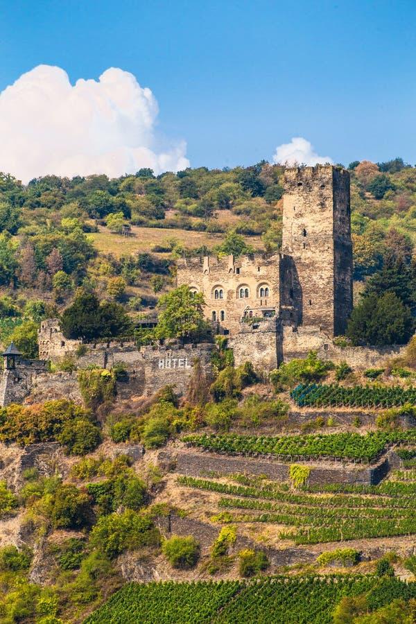 Gutenfels-Schloss auf Abhang entlang dem Rhein in Deutschland stockfoto