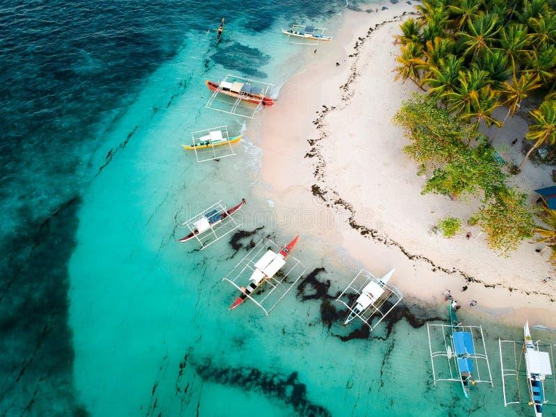 Guyam ö från ovanför - Filippinerna royaltyfria bilder