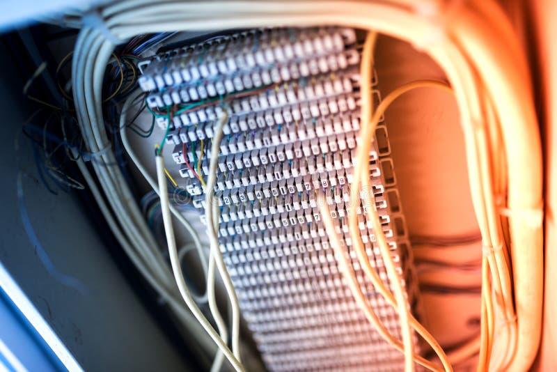 Guzek telefoniczna stara technologia w miękkim świetle zdjęcie stock
