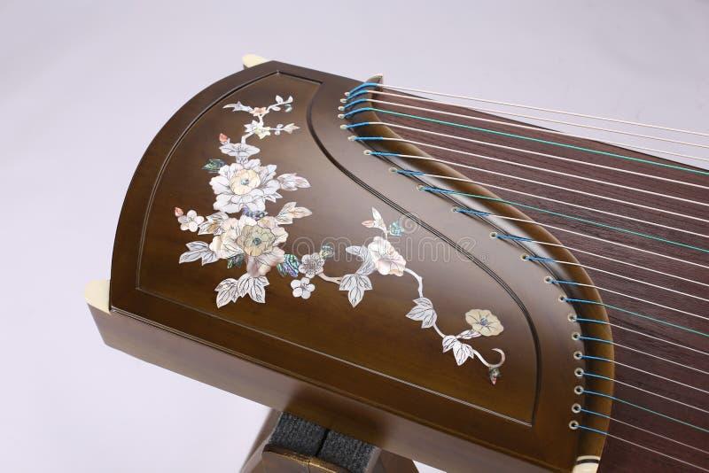 Guzheng kinesfolkmusik royaltyfri bild