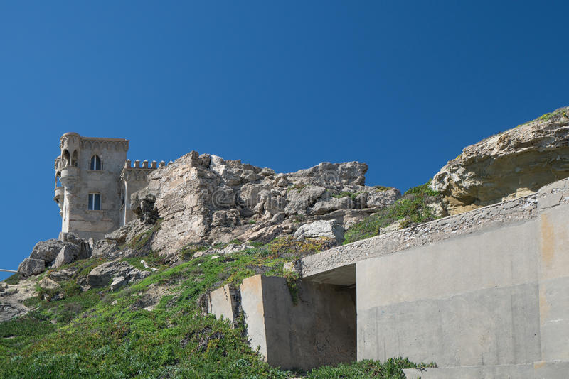 Guzmà ¡ n el布埃诺-西班牙,太阳海岸塔里法角城堡  免版税库存图片