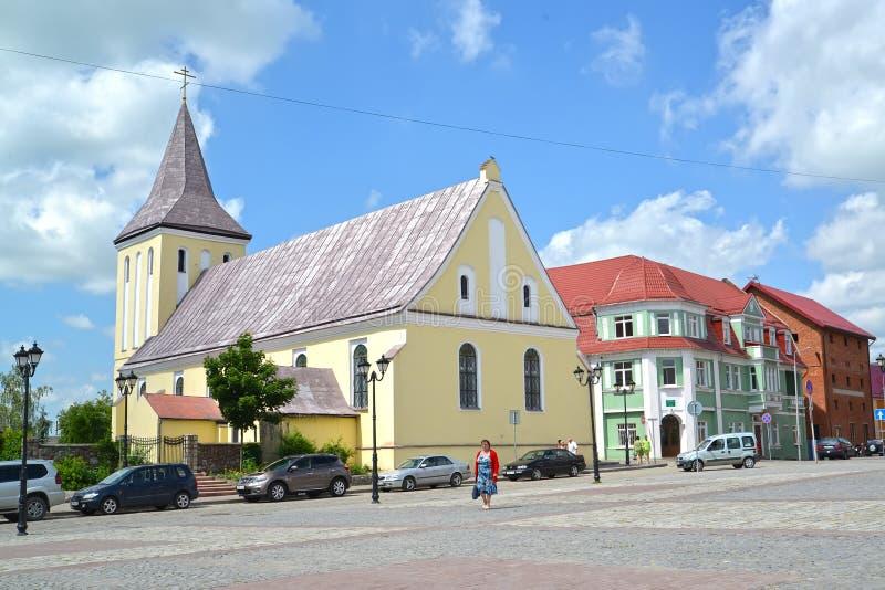 GVARDEYSK,俄罗斯 圣徒先知约翰的教会在胜利广场的先行者 免版税库存照片