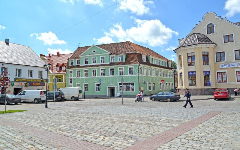 GVARDEYSK, RUSIA Edificio histórico en Victory Square fotos de archivo libres de regalías
