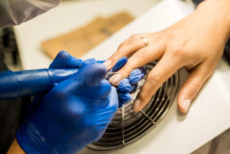 Gwóźdź techniki segregowania gwoździe z gwóźdź kartoteką Fachowi manicure narzędzia fotografia royalty free