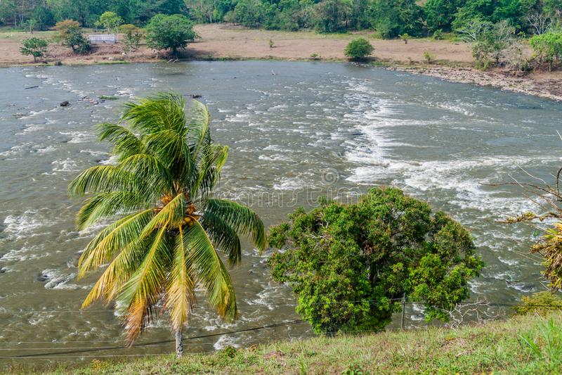 Gwałtowni San Juan Ell Castillo rzeczna pobliska wioska, Nicarag obrazy royalty free
