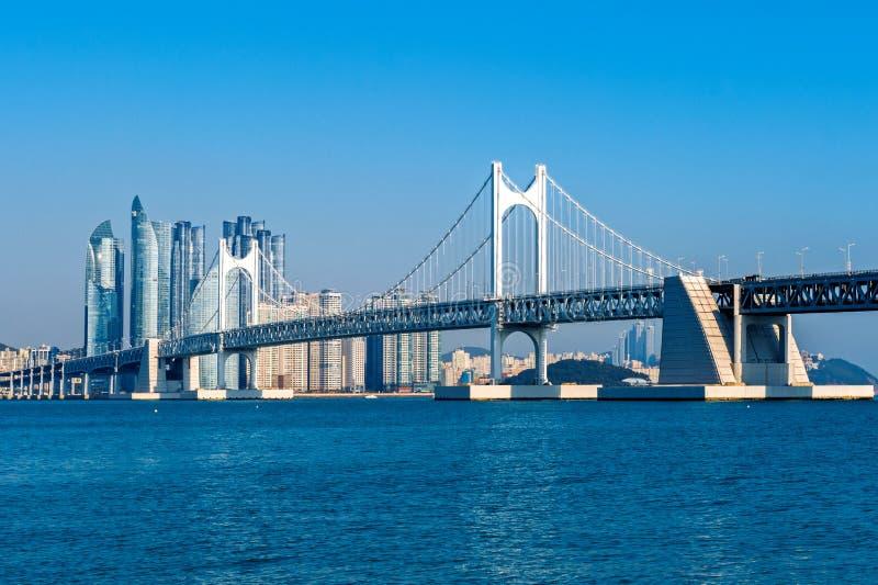 Gwangan Brücke und Haeundae in Busan lizenzfreies stockbild