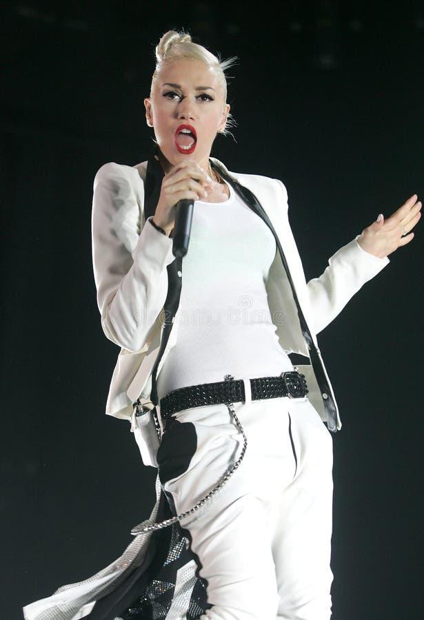 Gwen Stefani Performs im Konzert stockfotografie