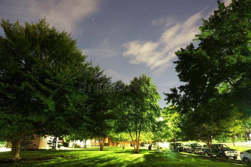 Gwiaździsta noc w sąsiedztwie fotografia stock