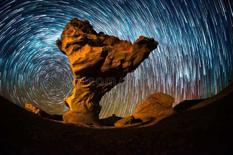 Gwiaździsty niebo z gwiazdowymi śladami zdjęcia royalty free