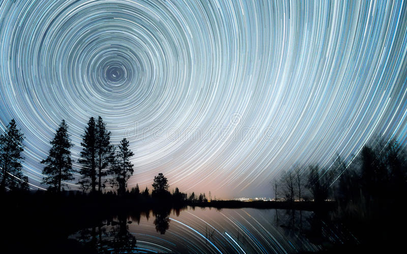 Gwiazda ślada nad stawem obrazy stock