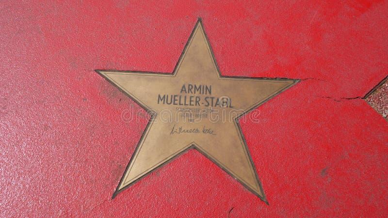 Gwiazda Armin Mueller-Stahl Przy bulwaru dera gwiazdami, spacer sława W Berlin fotografia royalty free